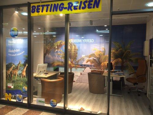 Flächenvorhang für Reisebüro mit Strand, Palmen, Meer & Steg
